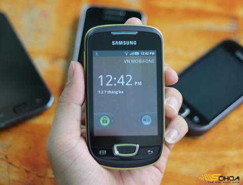 Galaxy Mini với thiết kế màn hình 3,2 inch. Ảnh: Quốc Huy.