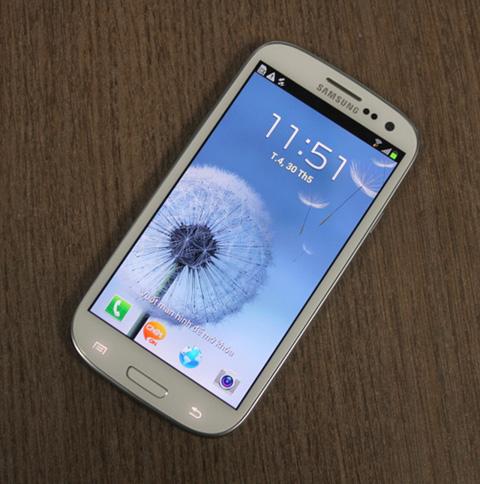 Galaxy S III với màn hình rộng và chip 4 nhân. Ảnh: Quốc Huy.