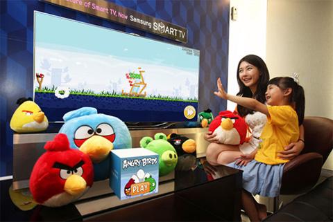 Angry Birds sẽ có mặt trên các model LED ES7000 và ES7000 của Samsung. Ảnh: Samsungtomorrow.