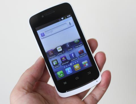 Touch S02 với màn hình 3,5 inch, hỗ trợ Wi-Fi.
