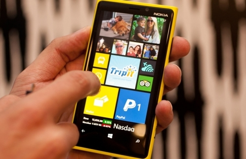nokia-lumia-920-yellow-front-jpg-1352777