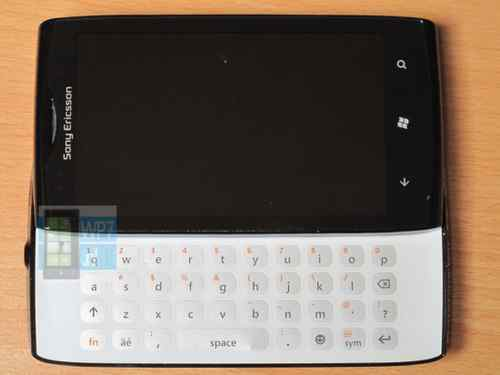 Sony-Ericsson-Jolie-1-JPG-1362102371_500