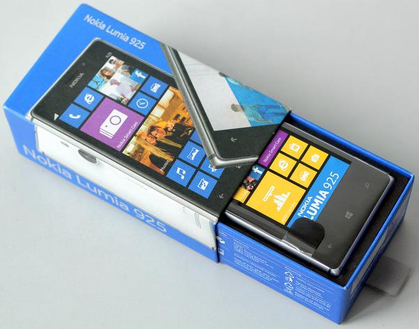 Nokia-Lumia-925-2-JPG-1377486900.jpg
