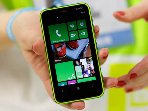 Nokia-Lumia-620-7374-1382152808.jpg