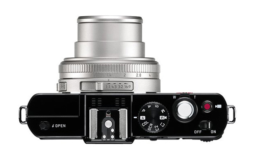 Leica-D-LUX-6-Silver-Edition-6910-138271