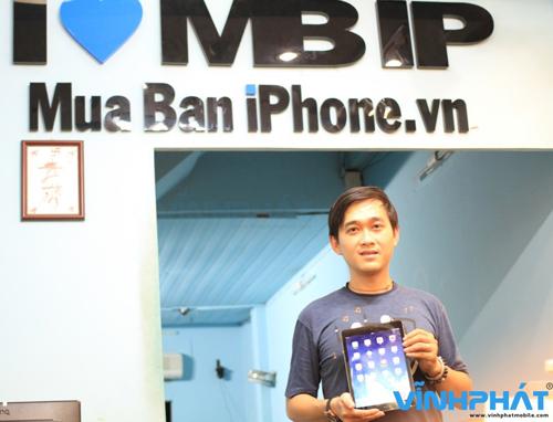 Theo anh Phan Công Minh, chủ Hệ thống bán lẻ điện thoại di động Vĩnh Phát (MuaBaniPhone.vn) giá bán iPad Air tại thị trường Việt Nam sẽ rất cạnh tranh so với iPad thế hệ cũ hơn với giá tiền từ 12.200.000đ.