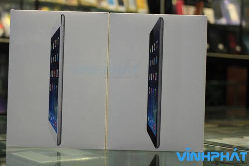 Mặt trước của hộp đựng iPad Air.