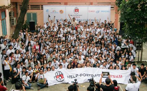 HELP-PORTRAIT-2013-3000-PX-1-1-4064-9557