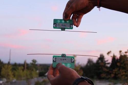 Các kỹ sư ở Đại học Washington (Mỹ) đã xây dựng một hệ thống liên lạc không dây cho phép các thiết bị như smartphone có thể tương tác với nhau mà không cần phụ thuộc vào pin hay nguồn điện.  Công nghệ này, được gọi là