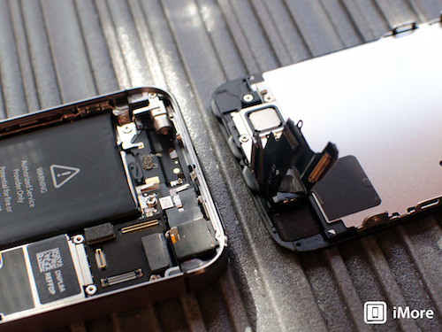 iphone-5s-display-detached-her-4479-2372