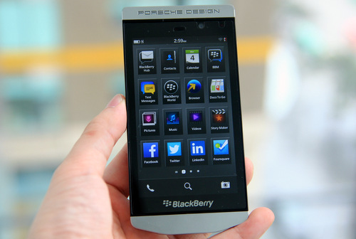 BlackBerry-Porsche-Design-P9982-6-JPG.jp