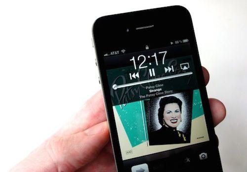 iPhone-lock-screen-music-playb-6395-4023