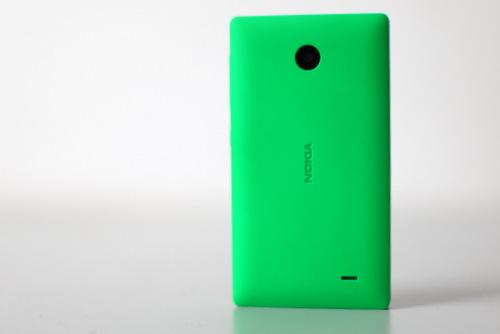 Nokia X được thiết kế đẹp, bắt mắt với chất lượng tốt.