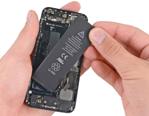 Ngoài ra, để biết thông tin chi tiết về các sản phẩm iPhone FPT đang phân phối, cũng như các chương trình, chính sách hỗ trợ, khách hàng có thể truy cập trang web: http://apple.fpt.com.vn.