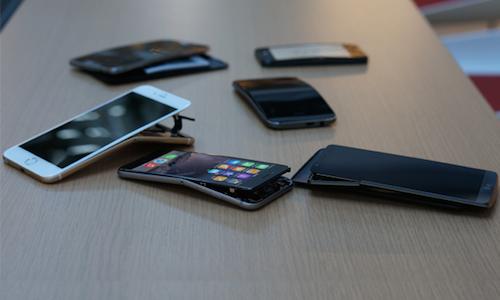 CRO-Electronics-Bent-Phones-Sc-6760-3592