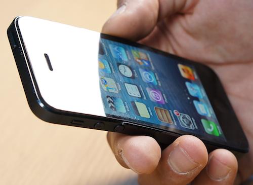 CRO-Electronics-Bent-iPhone-in-Hand-09-1
