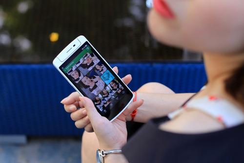 Oppo N1 mini là smartphone hợp với nữ nhờ vóc dáng nhỏ gọn và một số ưu điểm nhất định.