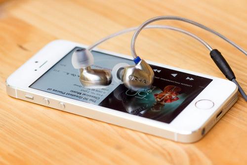 Mẫu tai nghe In-ear cao cấp của RHA được thiết kế tốt để phối ghép với iPhone.