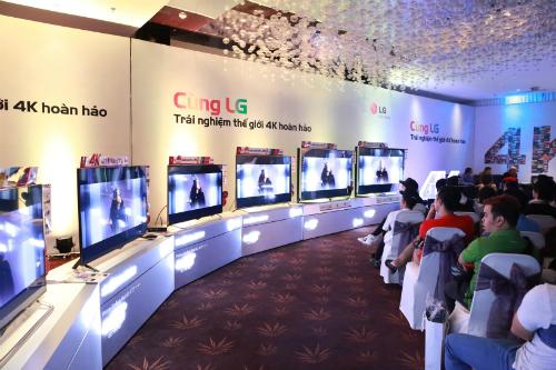 Buổi offline trải nghiệm TV 4K của LG tại TP HCM thu hút được chú ý của dân công nghệ và một số nhà làm phim độc lập.