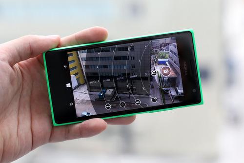 Camera là vũ khí của Lumia 730 so với các đối thủ Android cùng tầm tiền.