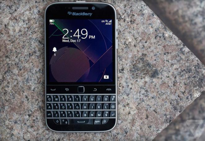 BlackBerry Classic - dáng đẹp, pin tốt, cấu hình bình thường