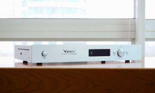 Đầu phát của VietKTV thực chất là một thiết bị trình chiếu video theo yêu cầu Video-On-Demand.