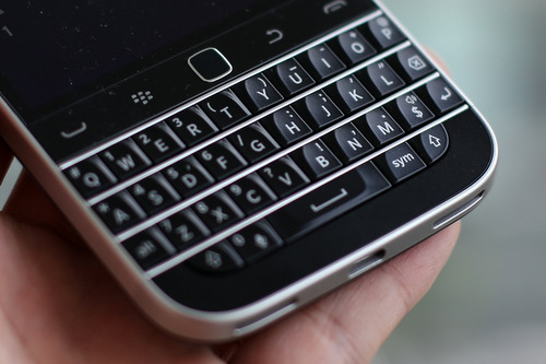 Bàn phím cứng cuốn hút của BlackBerry.