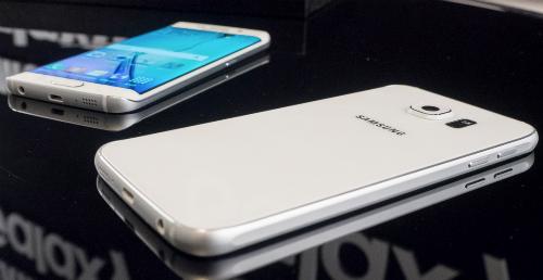 Galaxy S6 Edge màn hình cong tràn viền và Galaxy S6.
