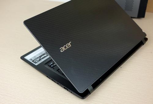Acer V3-371.