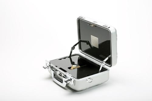 Hộp đựng của những mẫu Apple Watch xa xỉ do Brikk độ lại.
