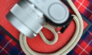 Dây đeo hàng hiệu Artisan & Artist sánh đôi cùng Leica, Fujifilm