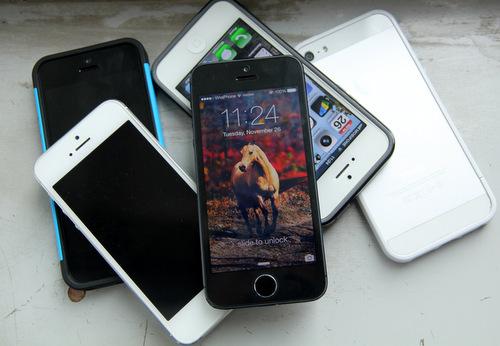 Dù ngừng sản xuất, iPhone 5 vẫn được nhiều cửa hàng bán ra dưới dạng hàng cũ, đã qua sử dụng với mức giá rẻ.