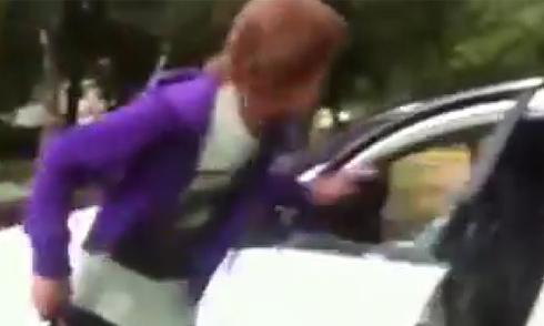 Video phá xe bạn gái vì bị phản bội hot nhất Internet tuần qua