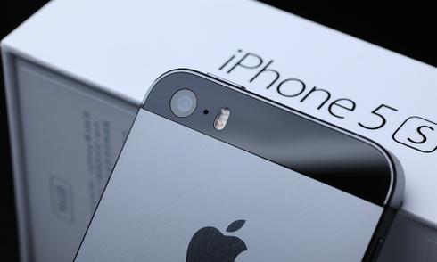 iPhone 5S hàng mới ế ẩm