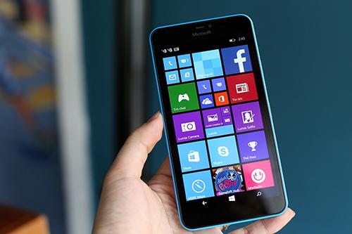 Microsoft Lumia 640XL với màn hình 5,7 inch HD.