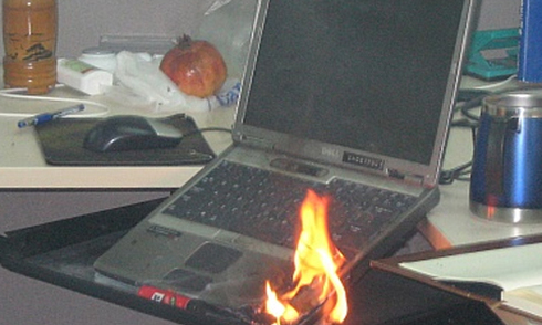 Lenovo đổi pin laptop có nguy cơ cháy nổ tại Việt Nam