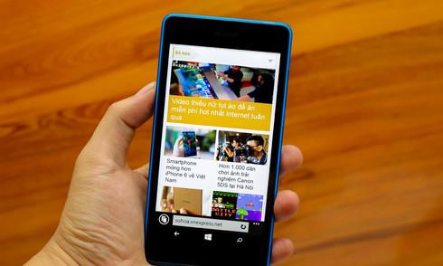 Mở hộp Lumia 540 - smartphone giá tốt từ Microsoft