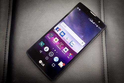 Magna trông giống như chiếc LG G4 thu nhỏ.