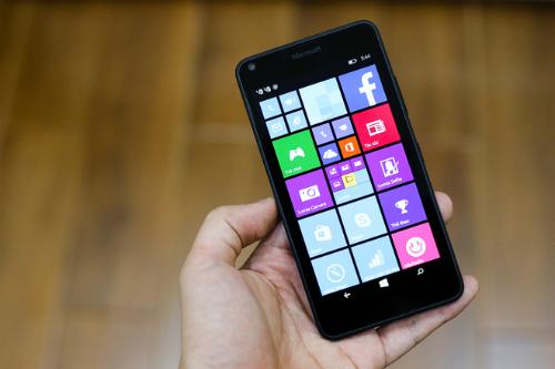 Microsoft-Lumia-640-12-0869-66-2977-2635