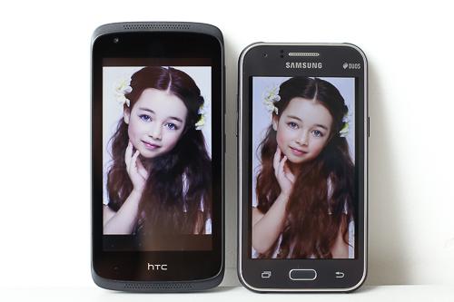 HTC Desire 326G to hơn Samsung Galaxy J1 khi có màn hình nhỉnh hơn, kích thước 4,5 inch.