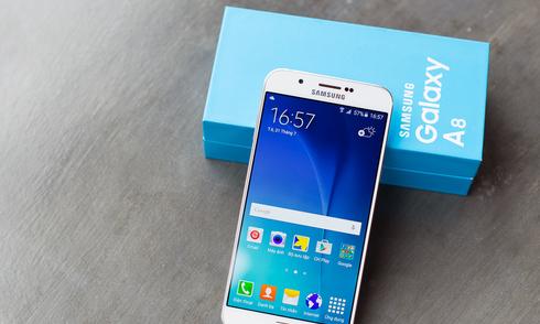 Mở hộp Galaxy A8 - smartphone mỏng nhất của Samsung
