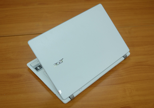 Acer Aspire V3-371.