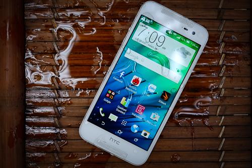 Pin dự phòng MiLi Power: HTC Butterfly 2 – smartphone chống nước giá mềm