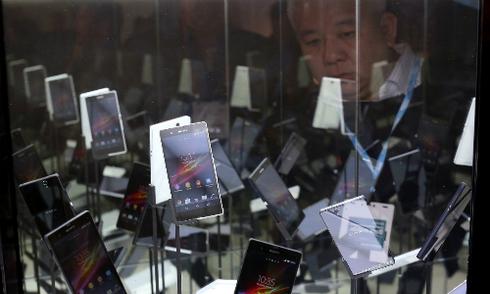 Smartphone giá tốt ồ ạt về Việt Nam