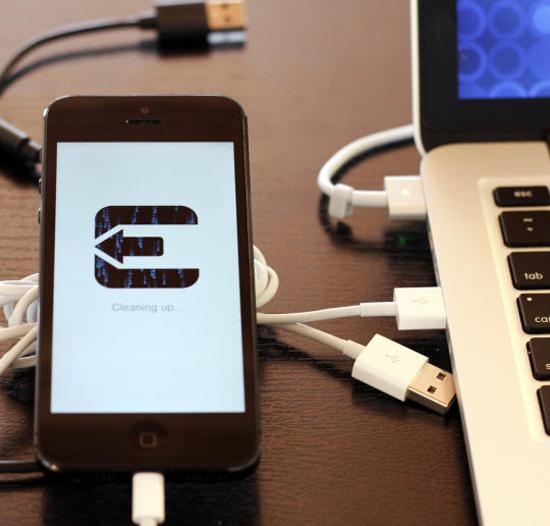 Hiểm họa khi bẻ khóa iPhone, iPad
