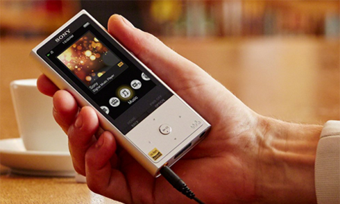 Máy nghe nhạc và tai nghe high-res audio mới của Sony
