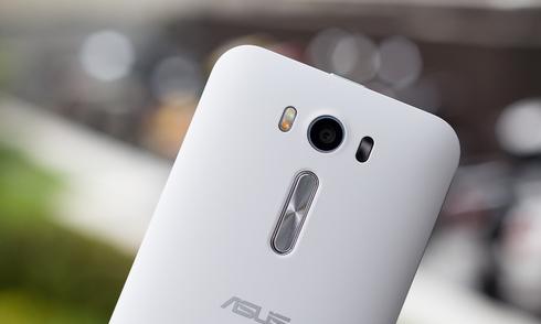 Zenfone 2 bản giá rẻ, camera lấy nét nhanh của Asus