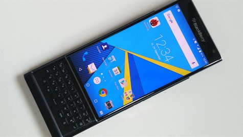 smartphone-blackberry-chay-android-gia-khoang-14-trieu-dong-1