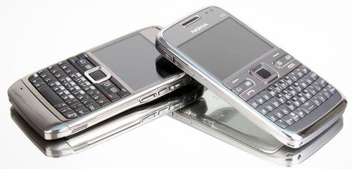 Những điện thoại bàn phím qwerty hiếm hoi còn bán ở việt nam