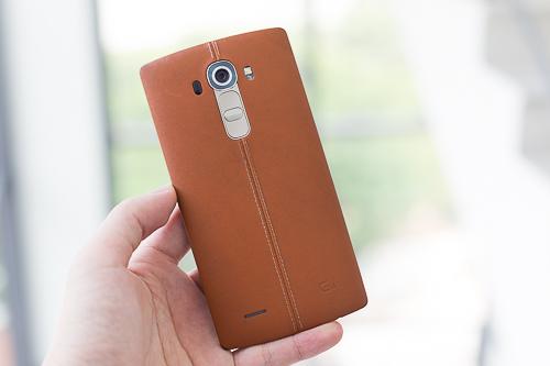 nhung-smartphone-cao-cap-chi-con-nua-gia-1